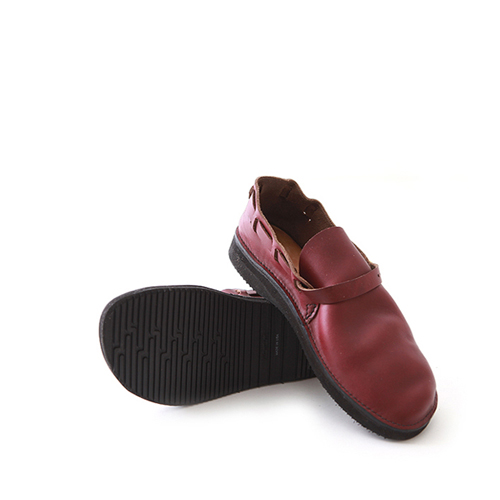 AURORA SHOE CO.Middle English Burgundy (Women's)